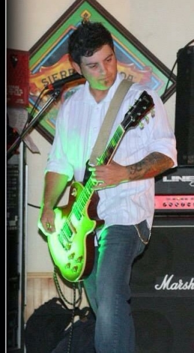 Chris Manteiga - Guitar