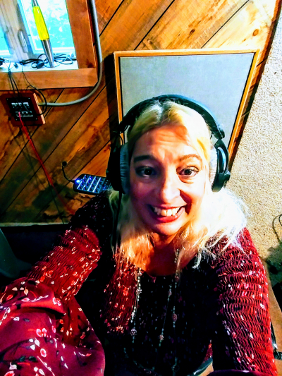 Singer Susan Angeletti in Recording Studio cuttin vocals for new Susan Angeletti CD November 2018