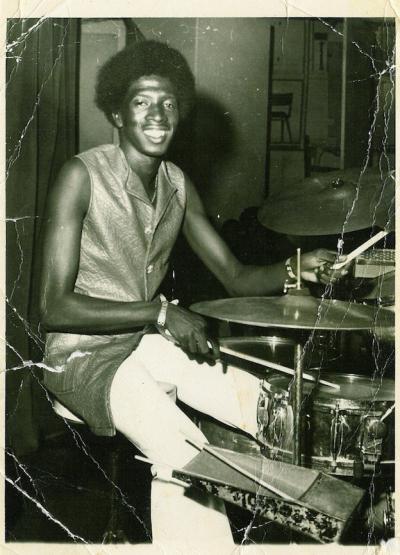 Iauwata ((Keith Paul) on Combo7 drumset