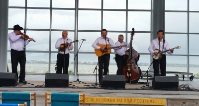 2016 Winners of the Outer Banks Bluegrass Festival/ Mtn Fever Recording band competition