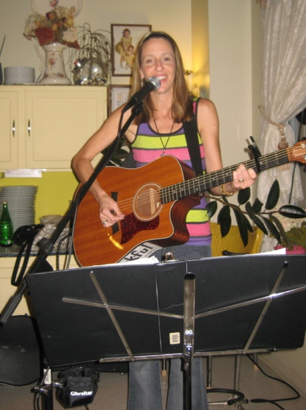 Enjoyed a show at the Cookie Cottage in Hamilton with Danny Coleman on percussion.