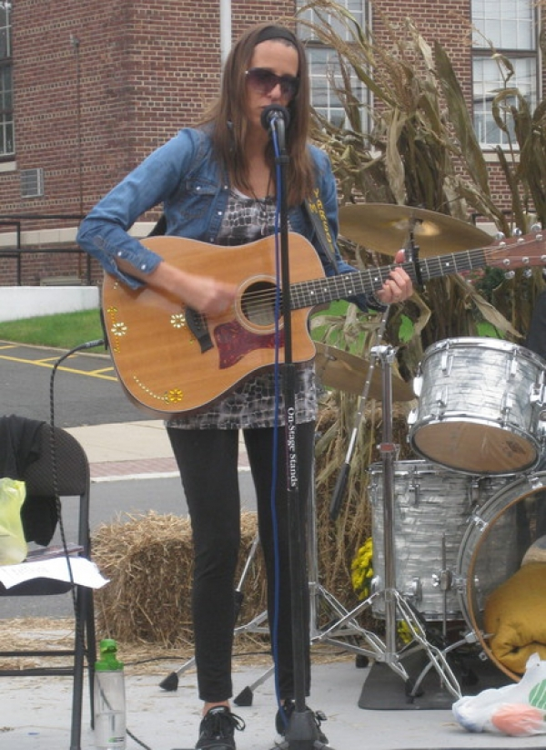 October 2011: Performed at Hightstown Harvest fest with my band