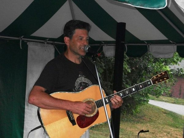 Arlon joined me for the West Milford Songwriters in the Round. BEAR COUNTRY I Say
