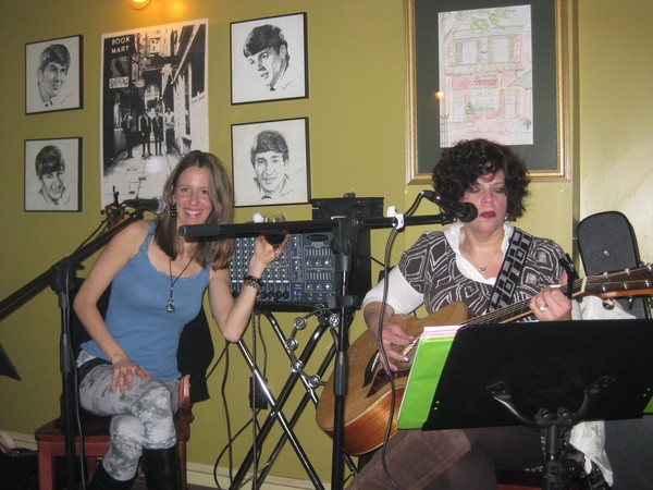 Jo Wymer and I play together at Legend's Pizza.  What more can you ask for but a glass of red with a touch of Jo's blues/jazz.  This woman is an amazing guitarist.