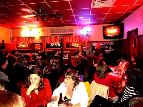 Kim Yarson and The Voluteers play Pete's Steakhouse for first performance of 2011. An encore performance for us!
