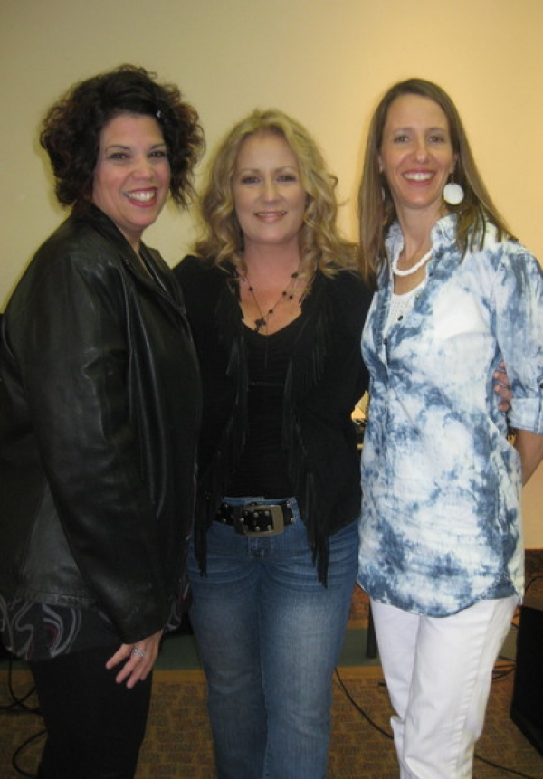 Hot Picking Chicks: Jo Wymer, Patty Blee and Me