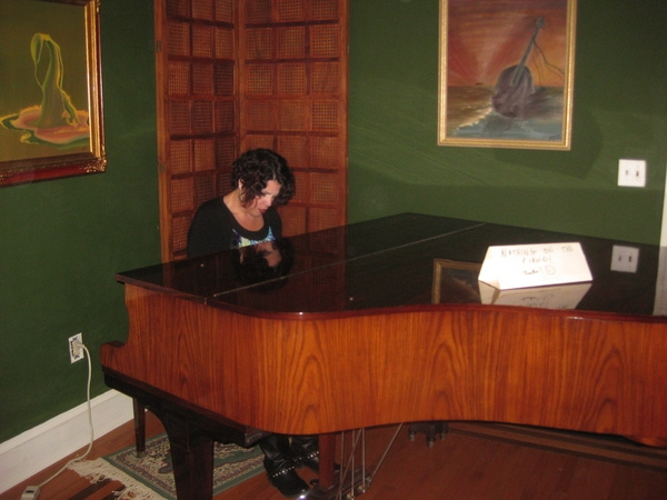Jo Wymer shares a song on piano