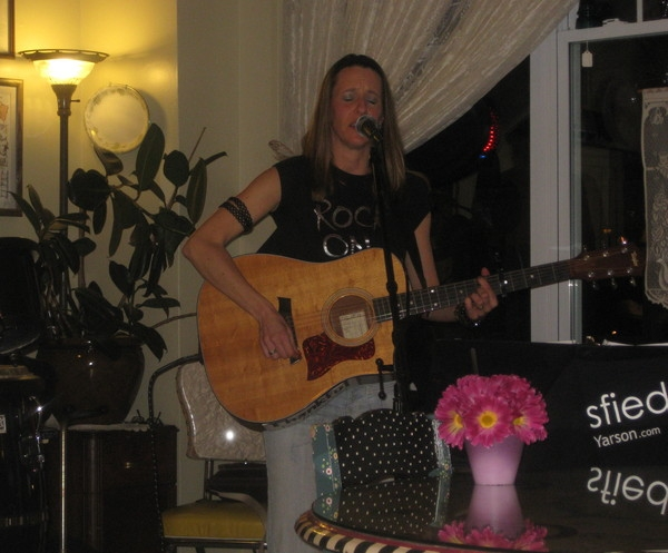 Played the Cookie Cottage in Hamilton and had a great listening audience