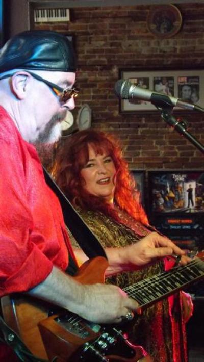 1) RJ and Honey Robin - Dig that mellowbar!