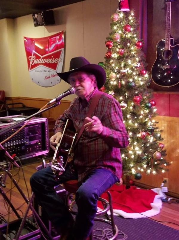 Billy at Theos Grill & Bar- Photo By- Jim Rogerson