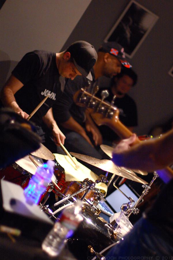 <p>&nbsp;&nbsp;Beat Music 1-12-12 fotos by&nbsp;<a href=
