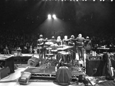 <p> photo by Jeremy Plotnikoff, from left Leonardo Amuedo, Billy Kilson, Andy Ezrin, Caroline Campbell, Chris Botti, Lisa Fischer, Moi, Geoffrey Keezer. The Greek Theater, Los Angeles, CA June 2, 2012</p>