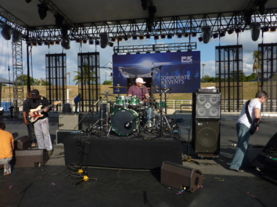SOUND CHECK TAVARES AND K.C. AND THE SUNSHINE BAND MEXICO CITY