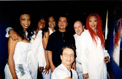 BEFORE THE SHOW IN QUEENS, N.Y. WITH CHIC