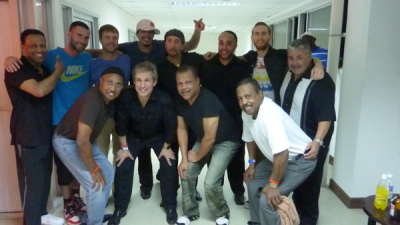 TAVARES BACKSTAGE AT THE JAMAICA JAZZ BLUES FESTIVAL WITH MAROON 5