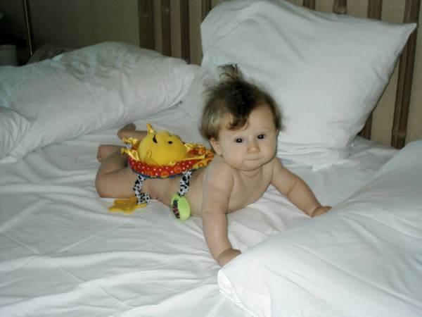 Having Fun Sunning Your Buns. (Love those fresh, clean sheets!)