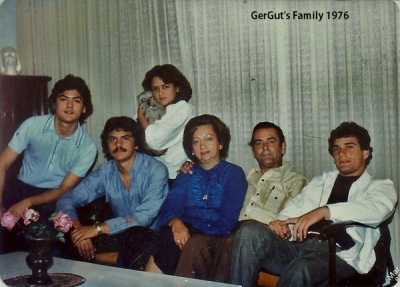 GerGut's Family back in 1976. From Left To Right, Fercho, GerGut, Vicky & Pet, Mom Rosa, Dad Gonzalo & Gonzalo Jr.