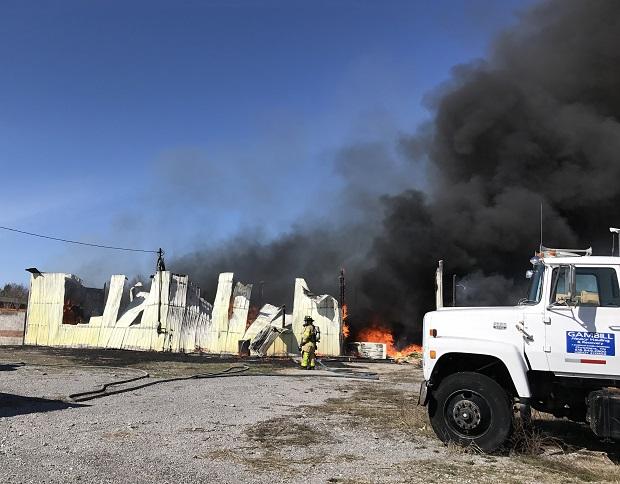 Battleground-Drive,-fire,-vehicle-fire,-Murfreesboro-fire