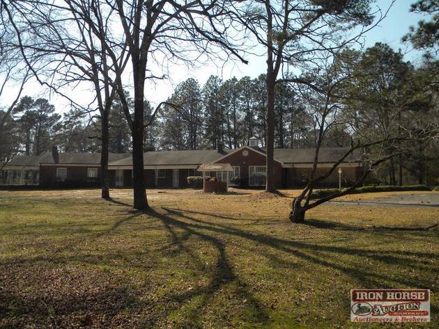 6,351+/- Sq. Ft. House on 12+/- Acres Near Pinehurst, NC