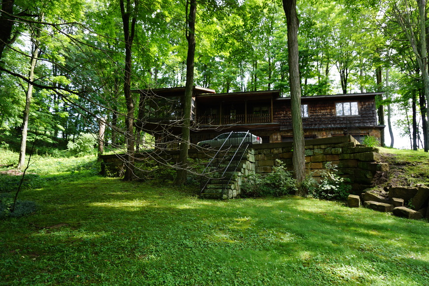 Millersburg Ranch Home on Large Wooded Lot