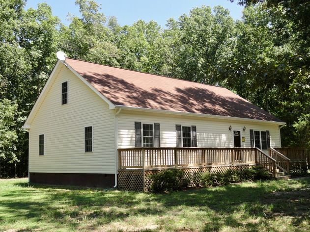 3 BR/2 BA Home on 7.7 +/- Acres in Dinwiddie County, VA
