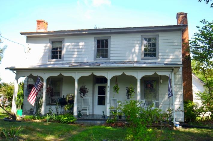 3 BR Farm House on 4.2 +/- Acres w/Outbuildings in Gordonsville, VA--SELLS to the HIGHEST BIDDER!!