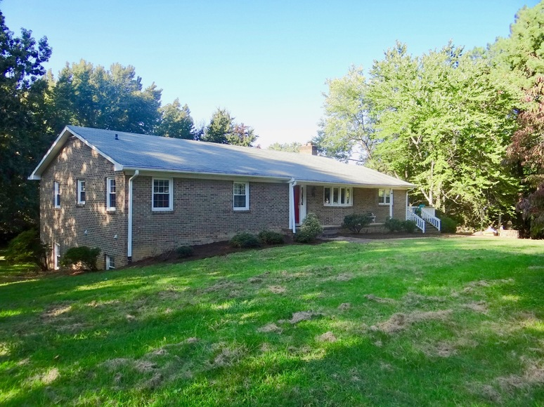 Featured Image for 3 BR/3 BA Brick Home in Eden Estates, King George County--Close to NSWC Dahlgren!!