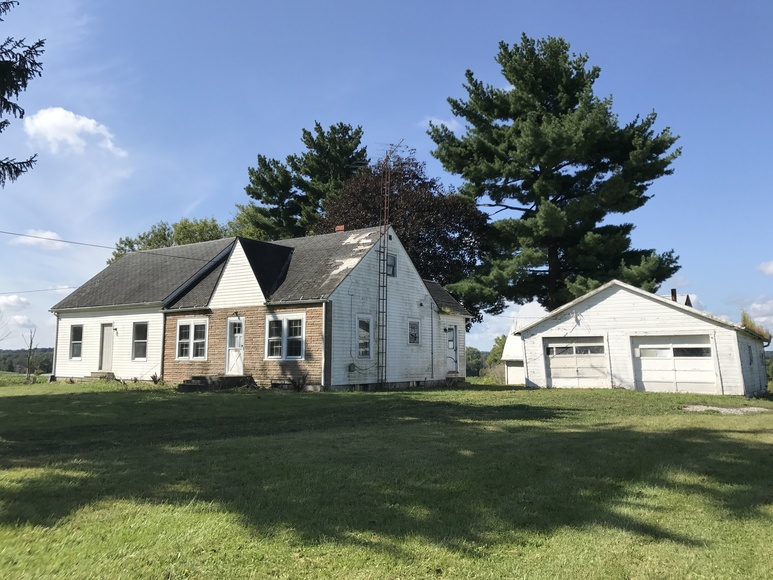 ABSOLUTE AUCTION DUPLEX IN THE COUNTRY
