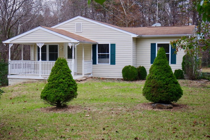 4 BR/2 BA Home w/Finished Walk-Out Basement on .67 +/- Acre Lot in Orange County, VA