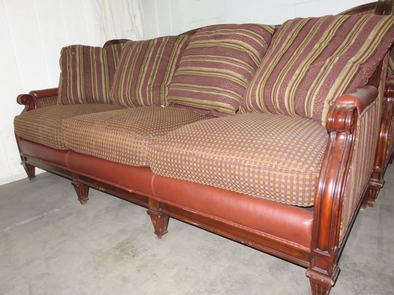 Heritage Country Club- Excess Furniture, Art & Equipment Auction