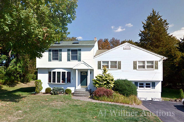 Pompton Plains, NJ - 4 Bedroom Home