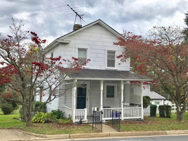 3 BR/2 BA Home w/Basement in Downtown Purcellville, VA--Loudoun County