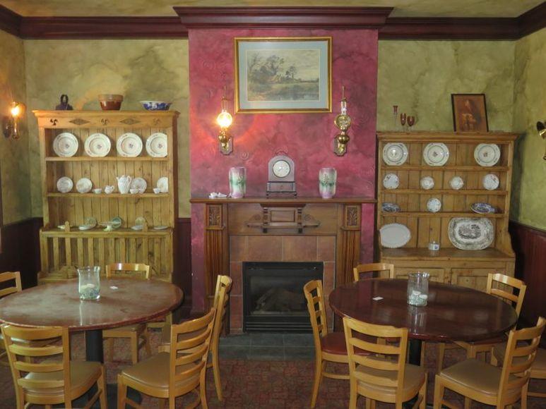 Brazenhead Irish Pub