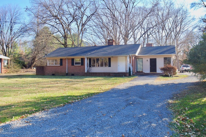 Solid 3 BR/1 BA Home in Orange, VA--Selling to the Highest Bidder!!