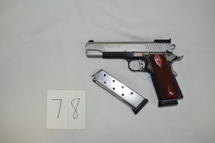 180+ Guns * Ammo * Hunting Items