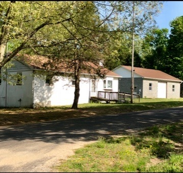 2 BR/1 BA Home w/30' x 40' Shop on 1.3 +/- Acres in Colonial Beach, VA--Sells to the Highest Bidder!!