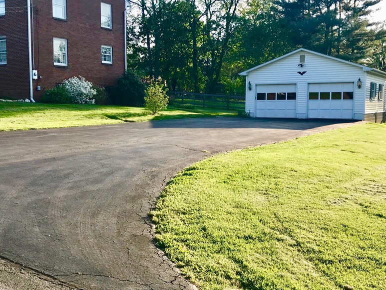 Featured Image for 3 BR/1.5 BA Brick Home w/2 Car Garage on Spacious Lot Just off Main St. in the Town of Purcellville, VA (Loudoun County)