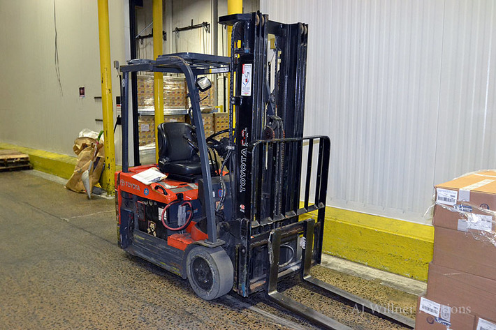 Material Handling Equipment & Electric Forklifts