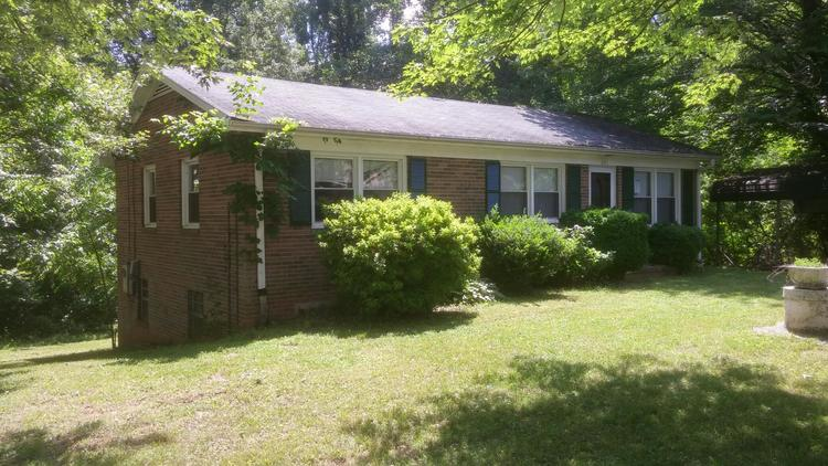 House & Lot on Washington Ave., Mount Airy, NC - Commissioner's Sale