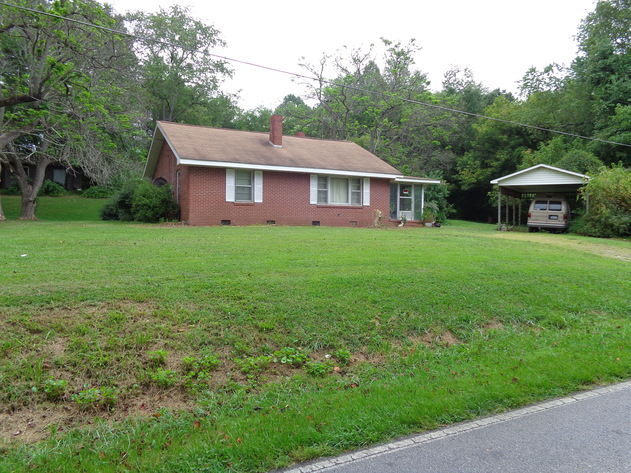 Estate Auction - Brick Home, Contents, & 4 Lots in Mt. Airy, NC