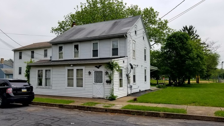 Real Estate Auction - Duplex in Middletown