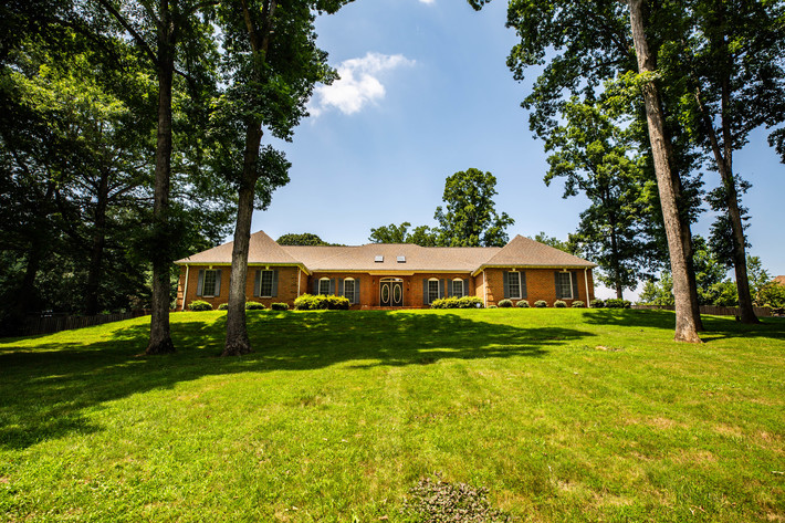 Stately 4 BR/3.5 BA All Brick Stafford County, VA Home on 3 +/- Acre Cul-de-Sac Lot--Selling to the Highest Bidder!!
