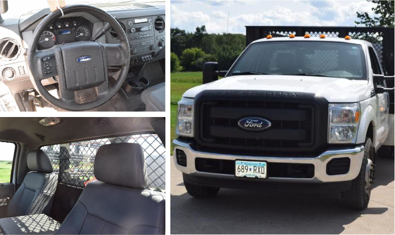 2015 Ford F-350 Super Duty 2WD With Reading Stake Bed