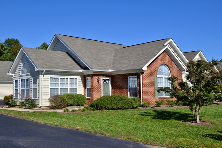 2 BR/2 BA  Regency Park Villa in the 5-Mile Fork Area of Spotsylvania County, VA---Sells to the Highest Bidder!!