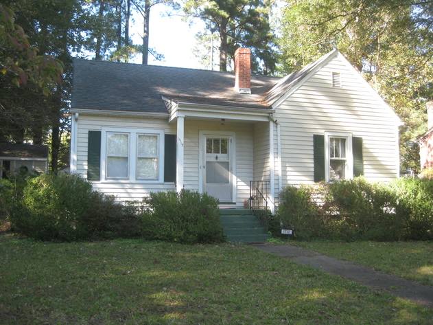 Very Clean 2 BR/1 BA Home--Sells to the Highest Bidder!!  ONLINE BIDDING ONLY!!