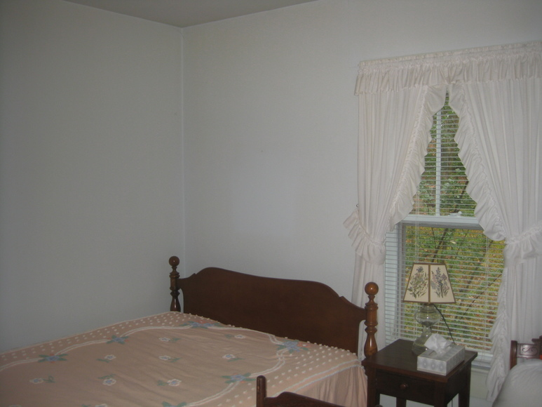 Featured Image for Very Clean 2 BR/1 BA Home--Sells to the Highest Bidder!!  ONLINE BIDDING ONLY!!
