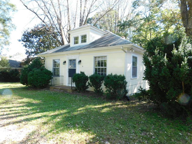 Image for Solid 3 BR/1 BA Home w/Outbuildings on Double Lot only 1/2 Mile from Main St. in Louisa, VA
