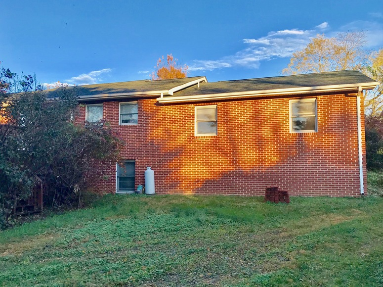 Featured Image for Solid 3 BR/3 BA Brick Ranch Style Home w/Basement--Sells to the Highest Bidder!!