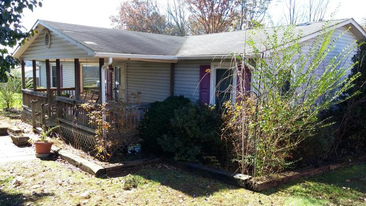DEC. 14, 2018 - Commissioner's Sale - 219 Sexton Road - Mount Airy, NC