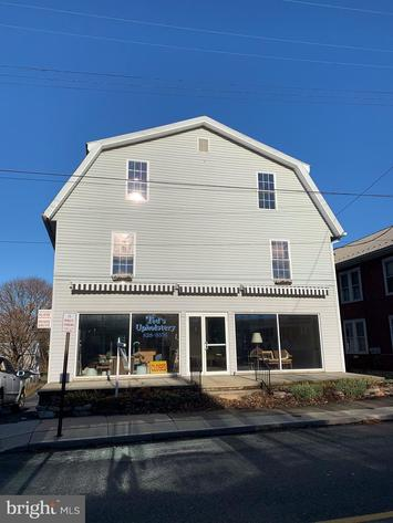 Absolute Real Estate Auction - Commercial Warehouse with Apartments (Palmyra, PA)